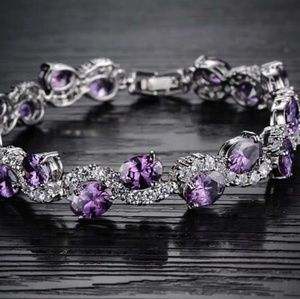 Jewelry - Beautiful gold plated bracelet with purple diamond